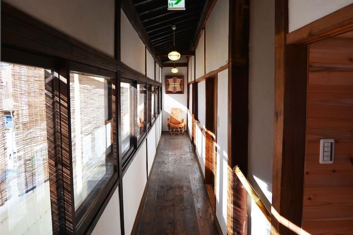 Earthworks Guest House Room 2 - Ueda - Bed & Breakfast