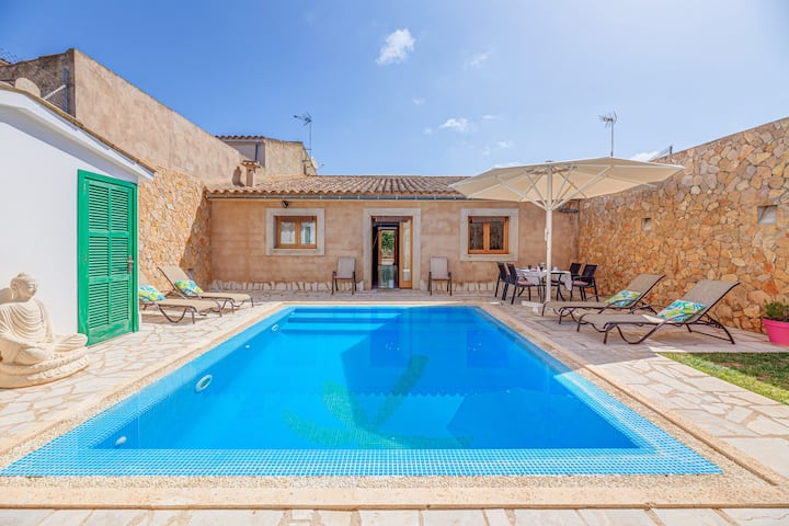 Beautiful Holiday Home Can Botelles with Pool, Air Conditioning, Wi-Fi, Balcony & Terrace; Parking Available