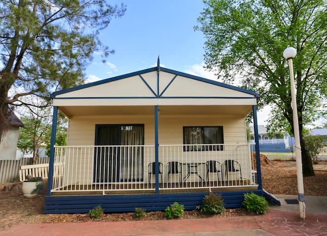Super Deluxe cabin in caravan park