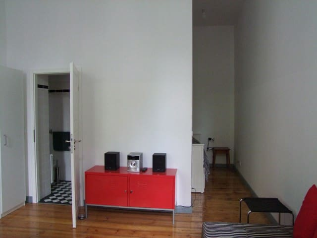 Special + Calm Flat in Berlin-Charlottenburg
