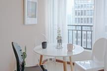 【罗裳】春熙路|天府广场|太古里|落地窗豪华夜景精装大两居|可住4人