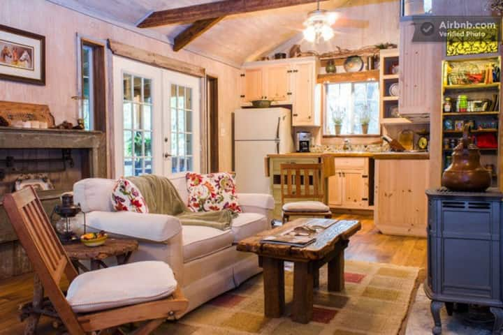 The Cottage at BonTerra Farm
