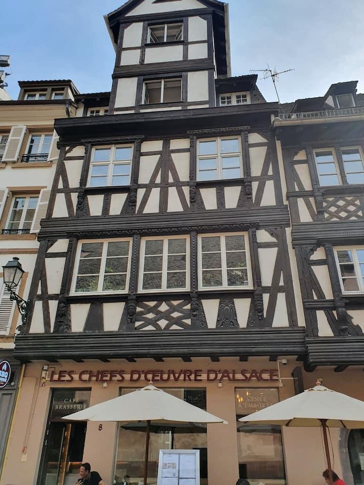 Bel appartement au cœur de Strasbourg