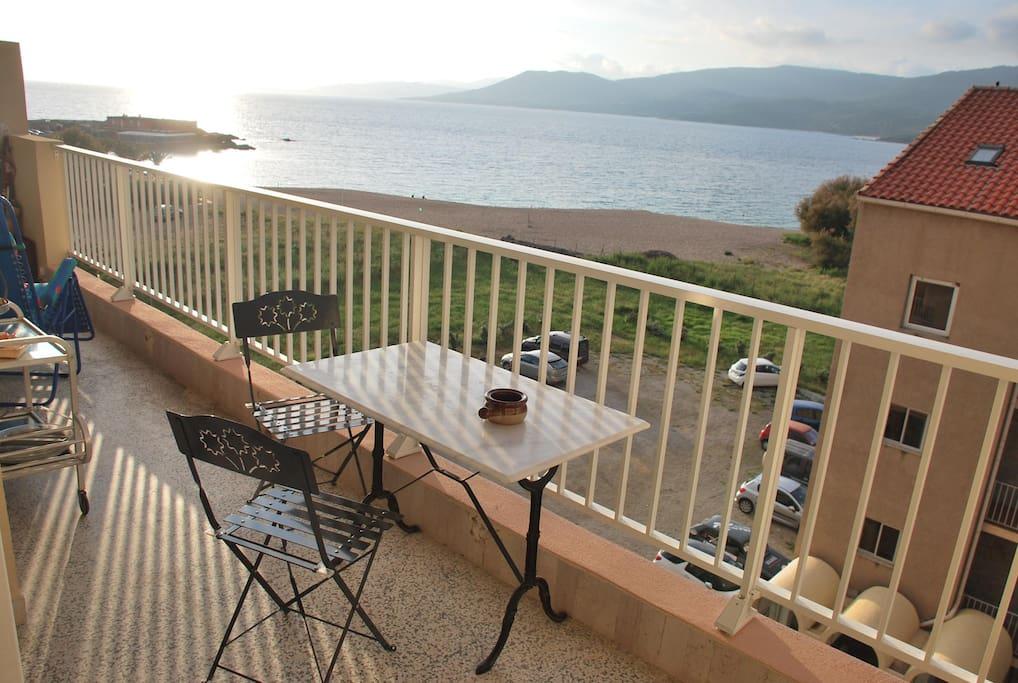 Vue de la terrasse sur la plage du Lido