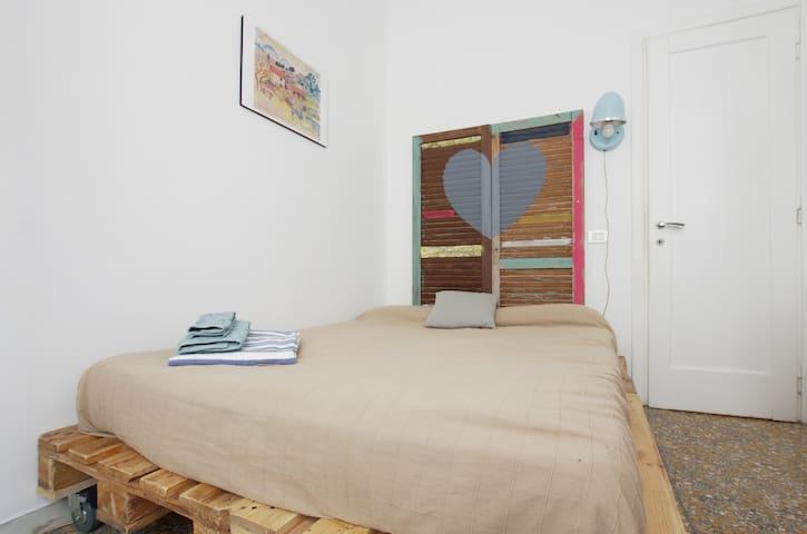 Vintage eco room near Trastevere
