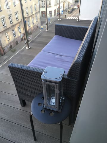Cozy studio with balcony in the city center