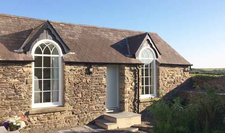 Beautiful retreat with sea views near Newgale