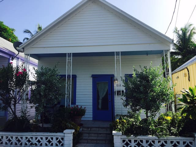 "Vintage ""Cottage in Paradise"", Old Town Key West - Key West - Casa"