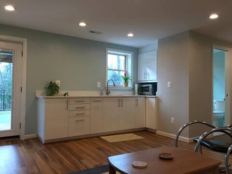 Clean Modern Apartment