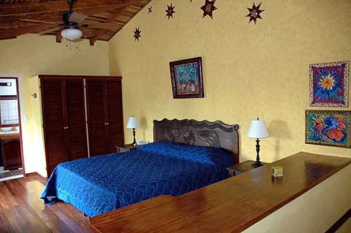 Tierra Magica B&B - King's Room