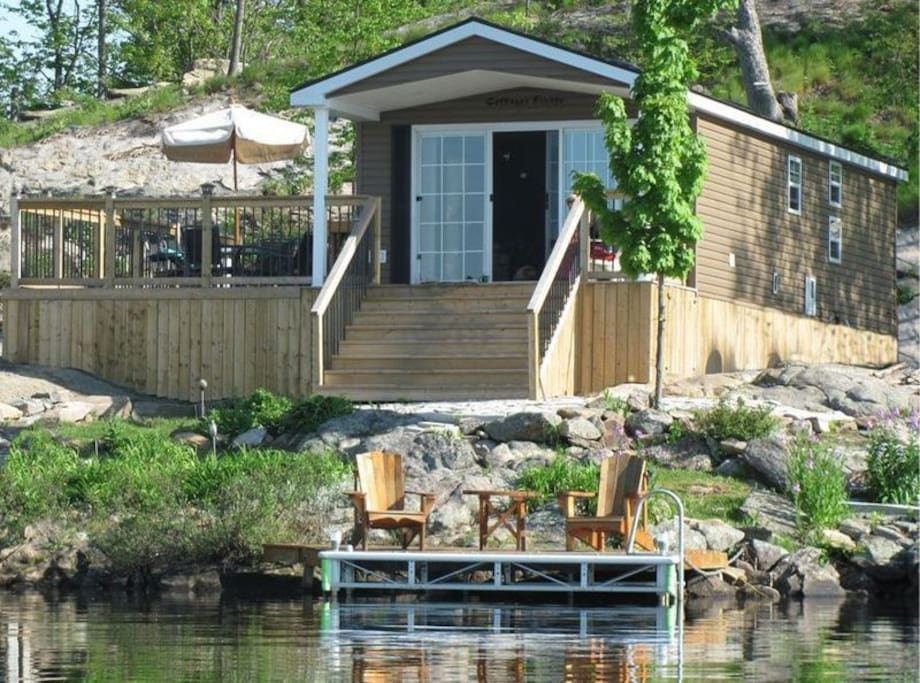 An example of a Waterfront Premium cottage
