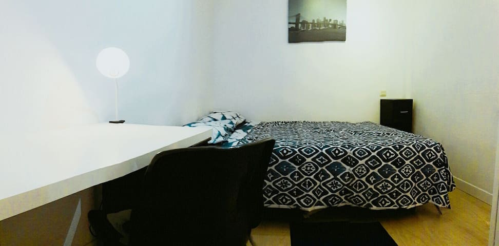 Rent VIP 2 Room in Chueca-Madrid