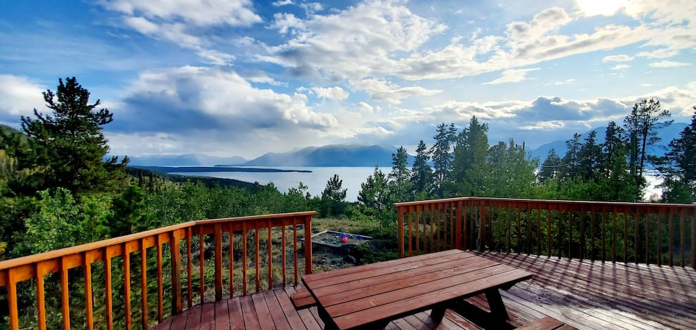 Hummingbird Lake View House  plus Sauna Atlin BC