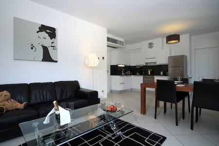 C004 Appartamento superior 2 camere - Maccagno - Huoneisto