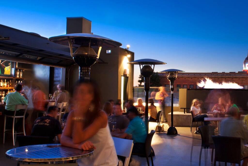 Padre Hotel Patio Bar