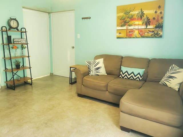 212 RINCON APARTMENT (NEW & NEARBY TOWN)