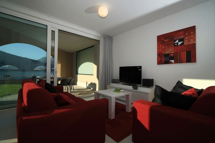 B004 Appartamento superior 2 camere - Maccagno - Apartemen