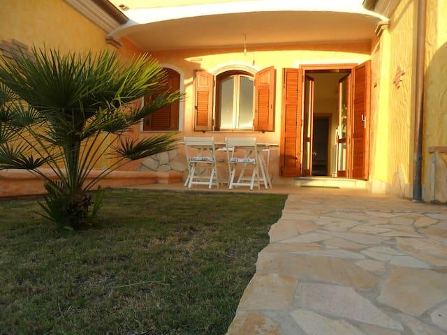 Double garden with bbq; priv. park - Sant'Anna arresi