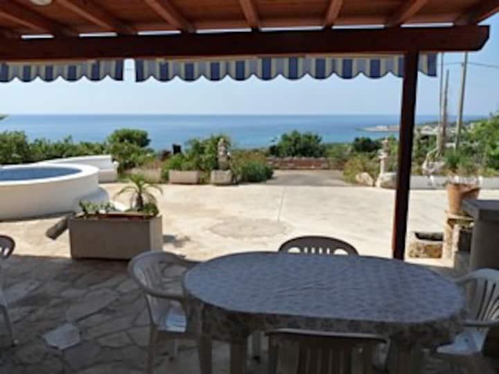 Studio in Villa + panoramic view, close to sea