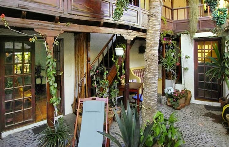 casa cantito  near the Atlantic