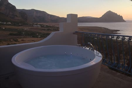 Best sunset with jacuzzi - Macari