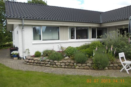 Villa på landet/Villa in the countryside - Huvila