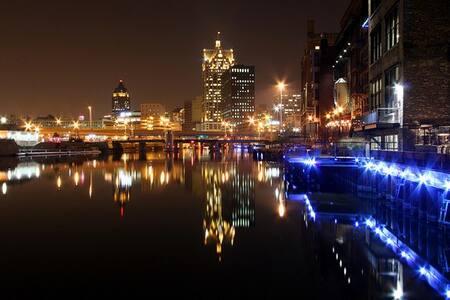 Festivals! Walking distance + prkng - Milwaukee - Casa
