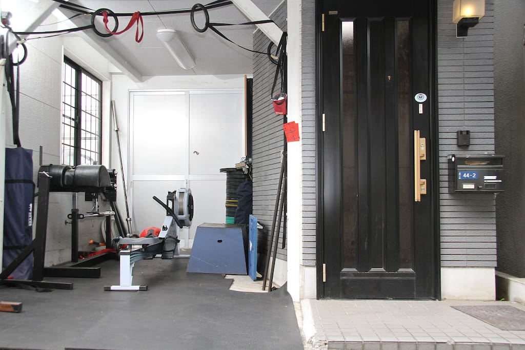 Workout outside in the fully functional Chikara CrossFit Garage Gym