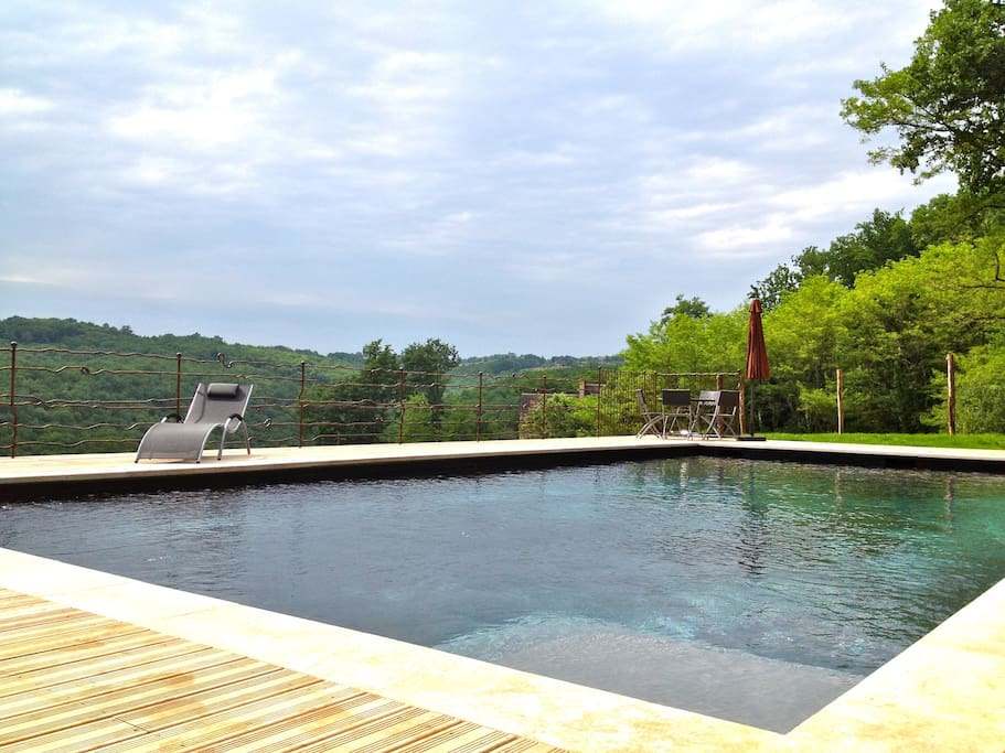 The heated swimming-pool, shared with the Milou house, also for rental