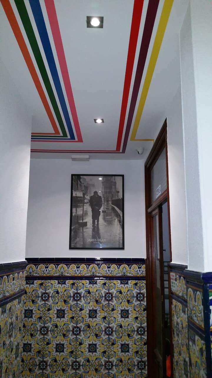 THE CATHEDRAL HOSTEL ( ORANGE ROOM )