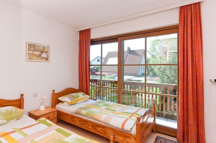 TRAUMHAFT schöne Ferienwohnung - Gilching - Apartamento