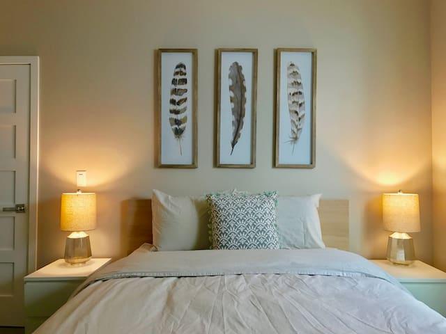 Room in new home near Swedish/Craig/Porter & DU - Englewood - House