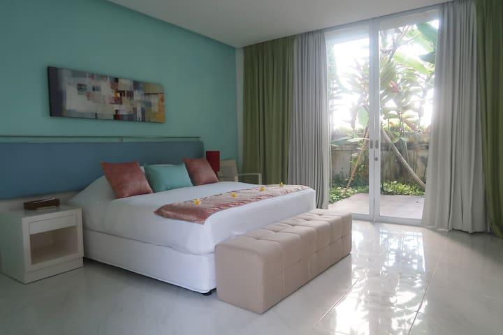 Terrace House in Jimbaran Room #1 (w/Breakfast)