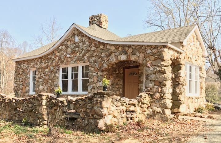 Charming, Early 1900's Cottage