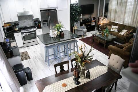 Private room new home. Halfway ↔️ Long Beach & LA