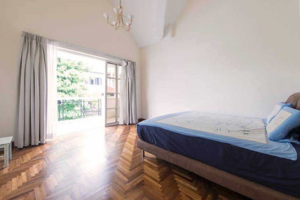 Master Bedroom For Family Near Mrt Houses For Rent In Singapore Singapore