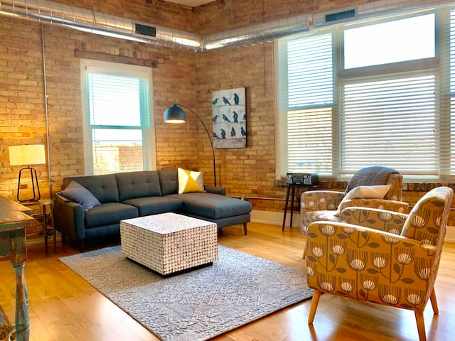 Historic Arts District Loft #4