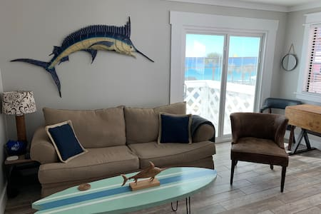 Cozy Condo G4 (View of the Beach)