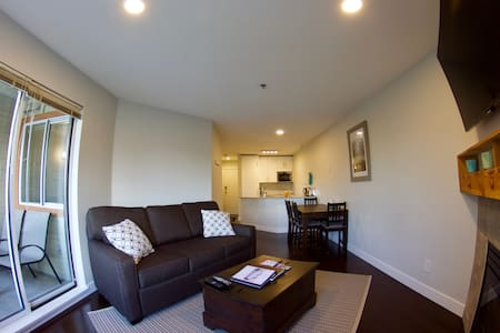 Newly renovated 1 Bedroom in Whistler Village. - Whistler - Lejlighed