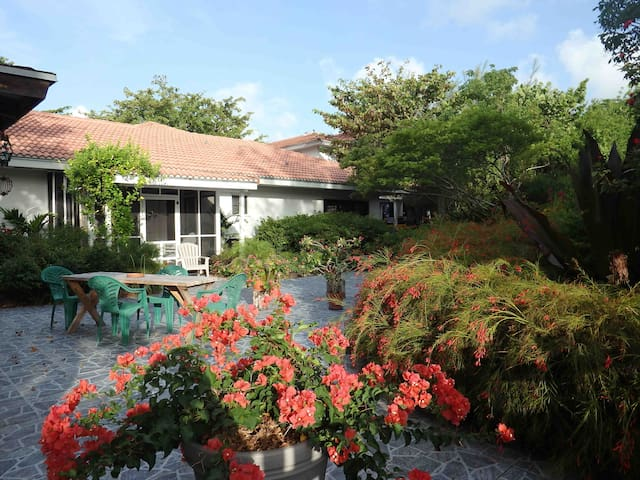 Garden apartment - nature and beach lovers - Freeport