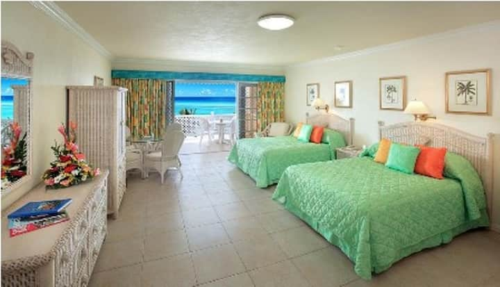 Coral Sands Studio, Two Double Beds