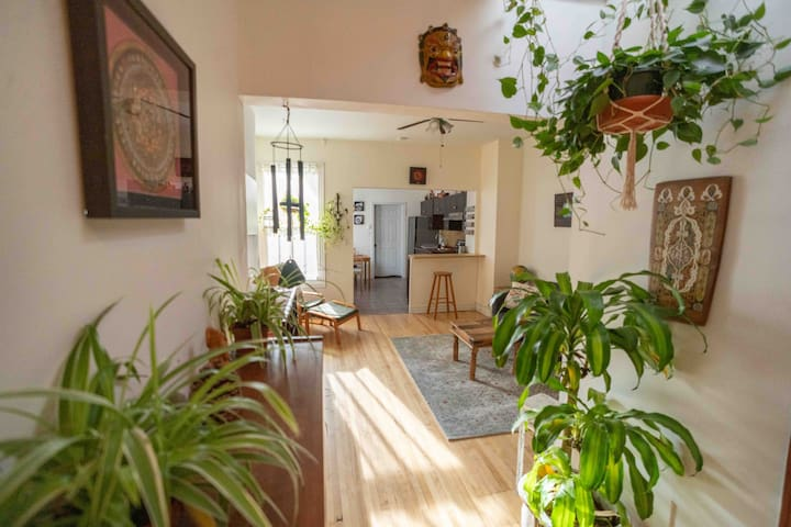 Casa Maria // 3 bed apt // Mile End