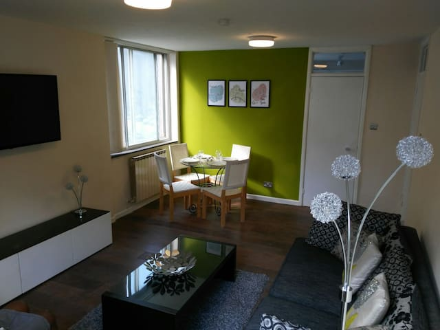 2 bed flat - 5 mins walk to station - Croydon - Leilighet