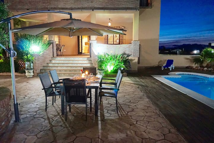 Luxury villa with private pool, outdoor barbecue. - Alhaurín el Grande - Alpstuga