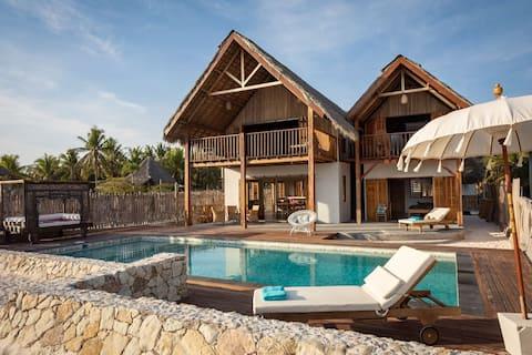 Villa Tasi Beachfront Palace i Nemberala Rote