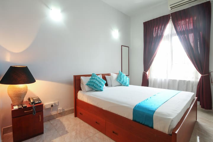 Blue Gum Hotel - Standard Room 1 - Ja-Ela - Bed & Breakfast