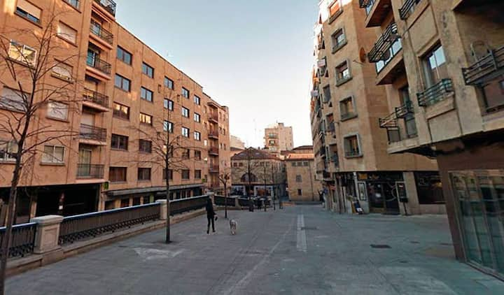 Apartamento espacioso en el centro de la ciudad.