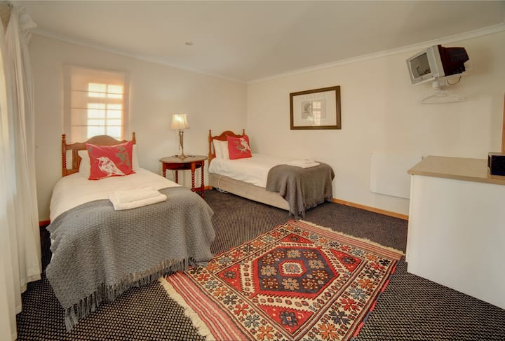 Garden Route En-Suite Deluxe Twin Room