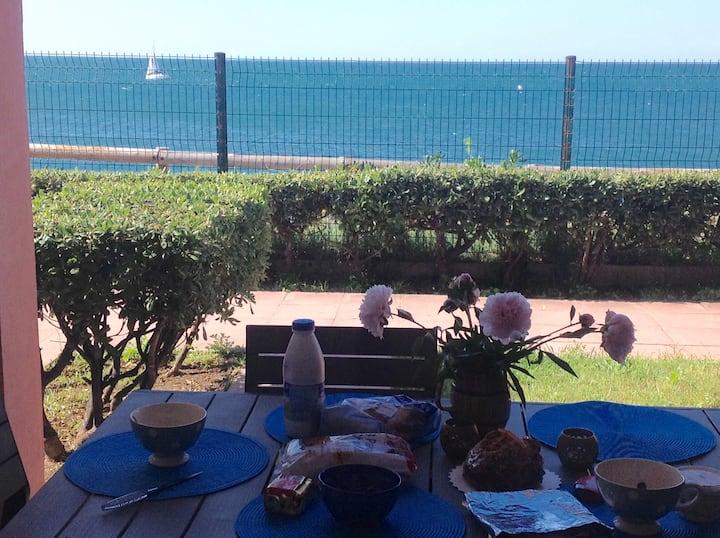 Beau T3 pleine vue mer,parking gratuit,piscine