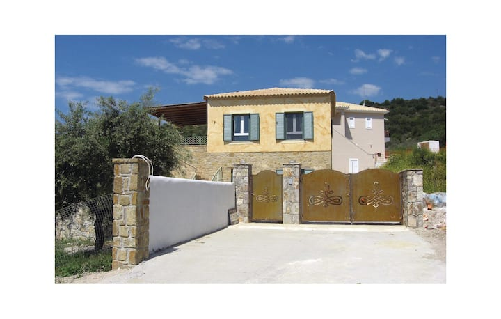 Stunning home in Finikounda-Messinias with 3 Bedrooms